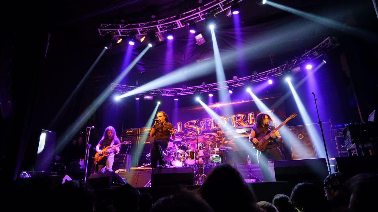 Isidris - Groove - MetalShows